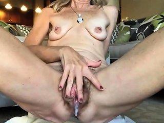 Old Big Cunt Masturbating Drtuber