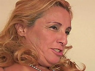 Hornmade Granny Thais Schiavinato Watches Shemales Riding Horny Dude With Gaped Asshole