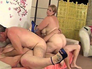 Wild Bbw Orgy With Four Plumper Sluts