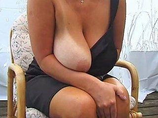 Blonde Huge Boobs MILF Posing Free Milf Posing Porn Video